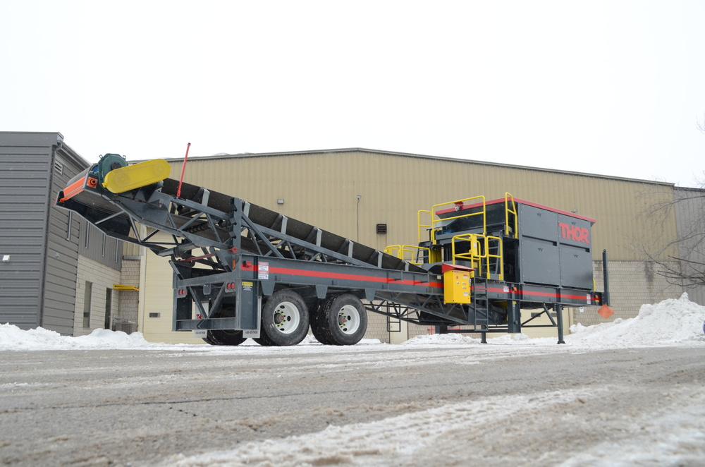 THOR FEED HOPPER™ Mobile High-Capacity Feed Hopper